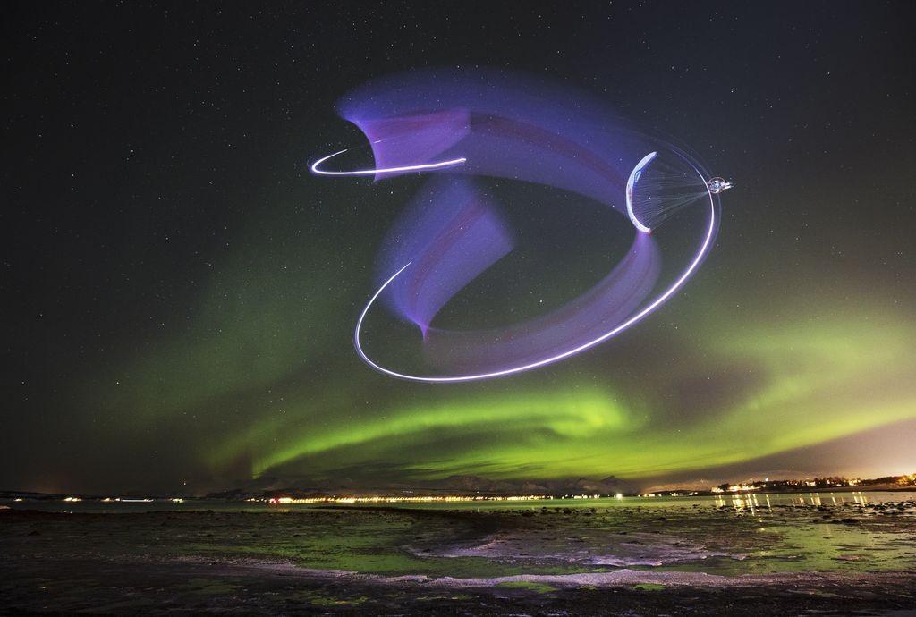 Quand les aurores boréales dansent dans la nuit