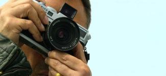 Voyagez dans l'esprit du photographe Platon avec ce docu-série Netflix